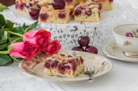 Buttermilch-Kirschkuchen